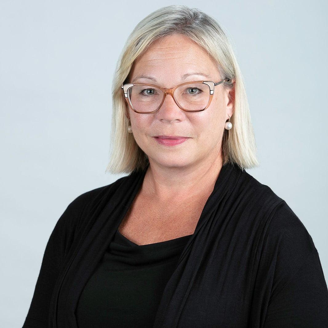 Donna Duncan, Board member of the Ontario Caregiver Organization, smiling portrait